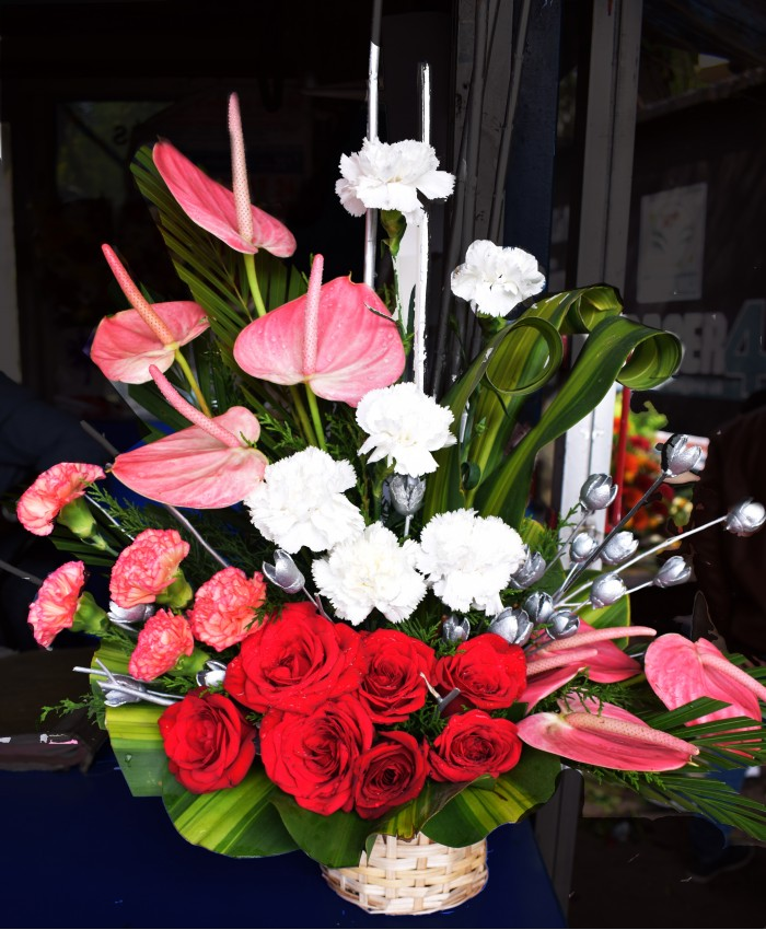 Flowers For Wedding Gift: Send Wedding Anniversary Gift & Flowers Bouquet To